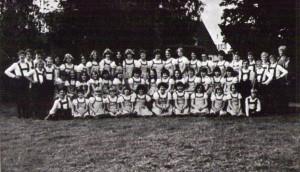 Volkstanzgruppe aus dem Jahre 1978